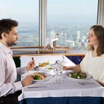 Vakariņas 165m augstumā! Lietuvas televīzijas tornī