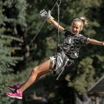 Piedzīvojums Tarzāna šķēršļu parkā jauniešiem