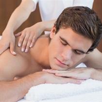 Ārstnieciskā muguras masāža vīrietim