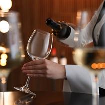 Дегустация вин в винотеке «Chateau Verdens» для 2 персон