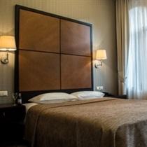 Europa Royale Kaunas viesnīcas biznesa klases numuriņš un vakariņas