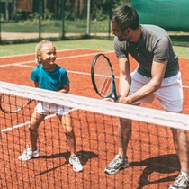 Individuālā tenisa nodarbība trenera pavadībā