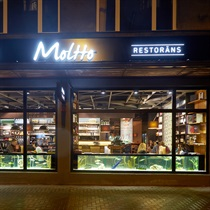 """Подарочная карта винного ресторана """" Moltto Wine & Grill"""""""