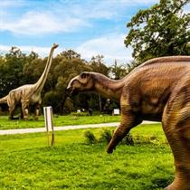 Izklaide dinozauru parkā Lietuvā