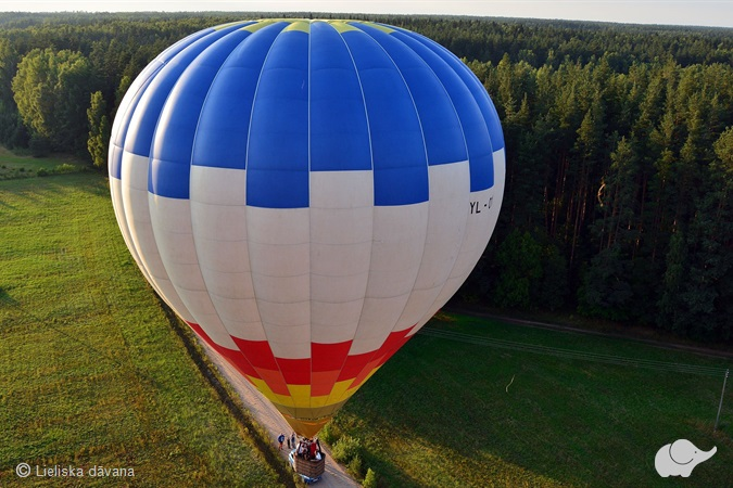 Lidojums ar gaisa balonu diviem Latvijā