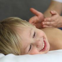 Vispārējā ķermeņa masāža bērnam