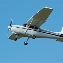 """Ekskursija debesīs ar """"Cessna"""" lidmašīnu"""