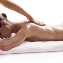 Relaksējošā muguras masāža