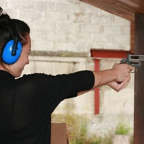 """Šaušana ar ieročiem šautuvē """"Smaragdi"""""""