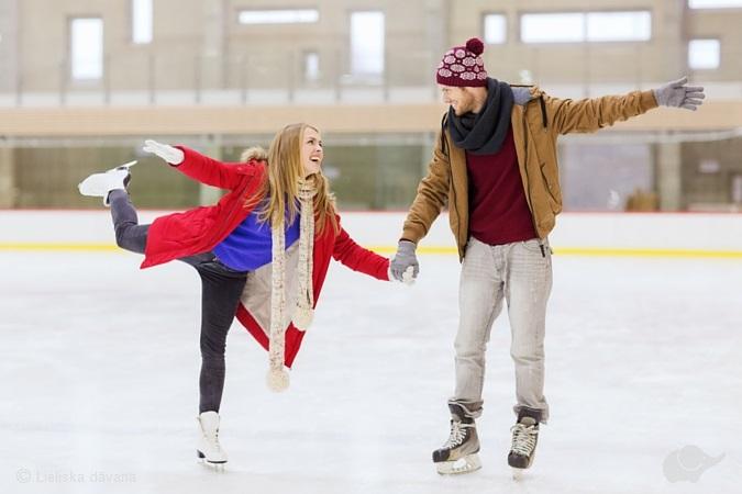 Романтическое катание на коньках