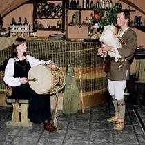"""Ekskluzīvas vakariņas latviešu restorānā """"Taverna"""""""