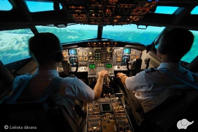 Aizraujošs lidojums Boeing 737 aviosimulatorā